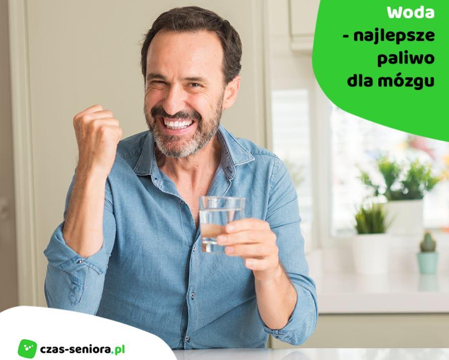 woda paliwem dla mózgu, woda ma dobry wpływ na mózg, wpływ wody na mózg, woda i jej wpływ na mózg, radość z picia wody
